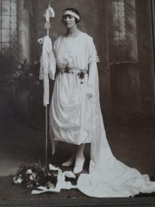 DSCF2215 Queen of St Marys - Lucy Whitty