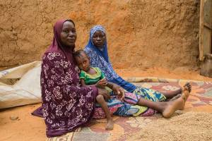Mariama w her mother and daughter