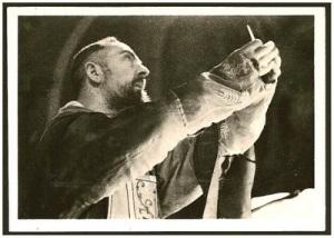corpus_christi_5 - Padre Pio at elevation of Host